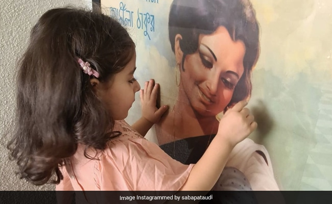 Little Inaaya Gazing At Grandmom Sharmila Tagore's Old Pic Is The Sweetest Thing You'll See Today