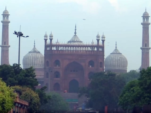 Video : Several Delhi Mosques Shut on Eid Due To Covid, Police To Ensure No Mass Gathering