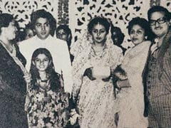 Spot Raveena Tandon In This Throwback Pic From Neetu And Rishi Kapoor's Wedding