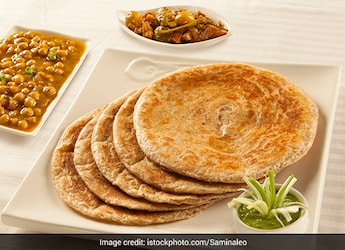 Easy Onion-Garlic Paratha Recipe To Go With Any Sabzi For Lunch Or Dinner