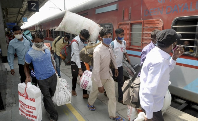 Over 8 Lakh Migrants Left Delhi In 4 Weeks Of Lockdown Amid 2nd Covid Wave: Report