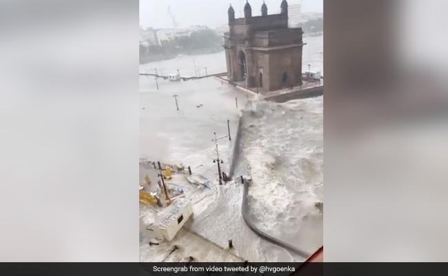 Cyclone Tauktae: मुंबई के होटल ताज के सामने दिखा ऐसा मंजर, हर्ष गोयनका बोले- तबाही मचा दी – देखें Video