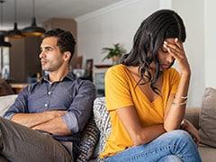 Relationship Tips: 7 साइन जो बताते हैं कि पार्टनर का इंटरेस्ट आप में हो रहा है कम, ऐसे संभाले रिश्ते को