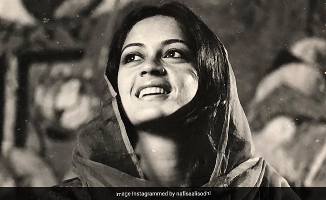 Nafisa Ali, Stunning At 19, Clicked By Her Father