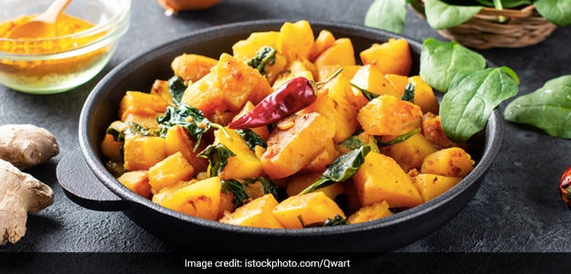 Nepalese Piro Aloo : A Spicier Version of Indian Dum Aloo You Should Try Today