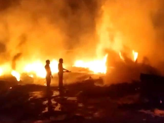 Video : Massive Fire Breaks Out In Slums Of Noida, Officials Rushed To Spot