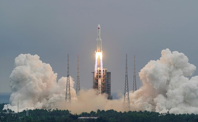 Chinese Rocket Segment Re-Enters Earth, Disintegrates Over Indian Ocean