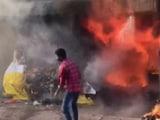 Video : आंध्र प्रदेश के तिरुमाला में 6 दुकानों में आग, कोई हताहत नहीं