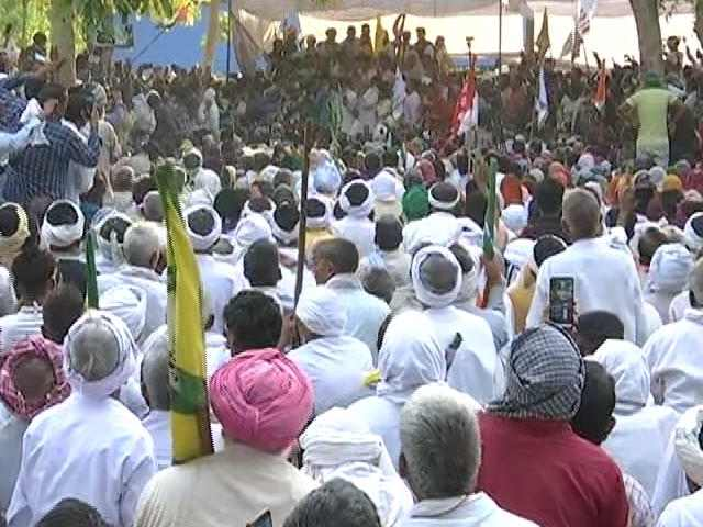 """Video : 6 Months Of Farmers' Protest: Farmers Observe """"Black Day"""""""