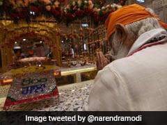 PM Modi Pays Tribute To Guru Teg Bahadur At Delhi's Sis Ganj Gurudwara On 400th <i>Parkash Purab</i>