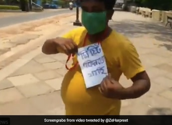 Viral Video: 'Going To Buy Sweets' - Man Steps Out With Sign Around Neck Amidst Bengal Lockdown