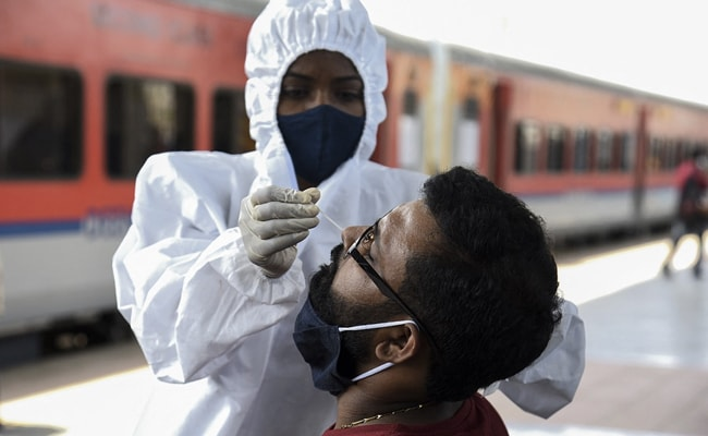 Coronavirus India Updates: Downward trend of coronavirus cases in India continued as country reported 1.27 lakh new cases of COVID-19.