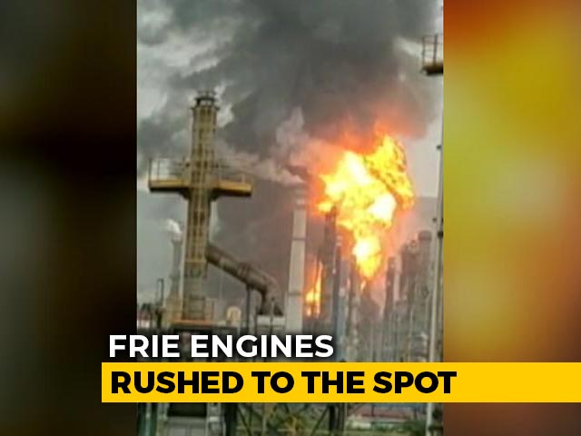 Video : Major Fire Breaks Out At Oil Refinery In Visakhapatnam