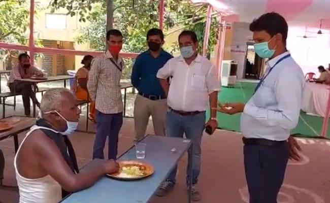सब बढ़िया है'- CM नीतीश कुमार के वर्चुअल दौरे के पहले लोगों को पट्टी पढ़ाते दिखे अधिकारी, देखें Video