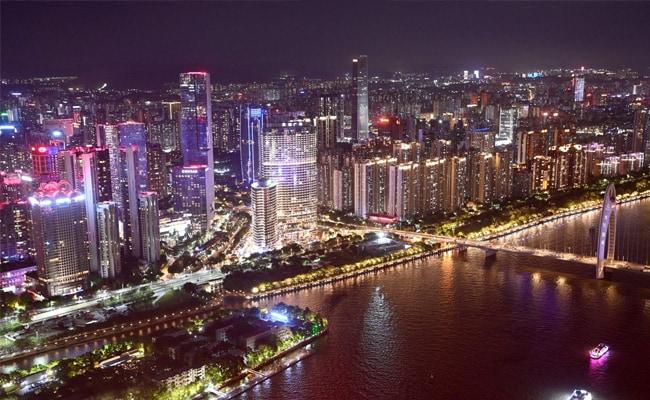 China Locks Down Neighbourhood In City Near Hong Kong After Covid Surge