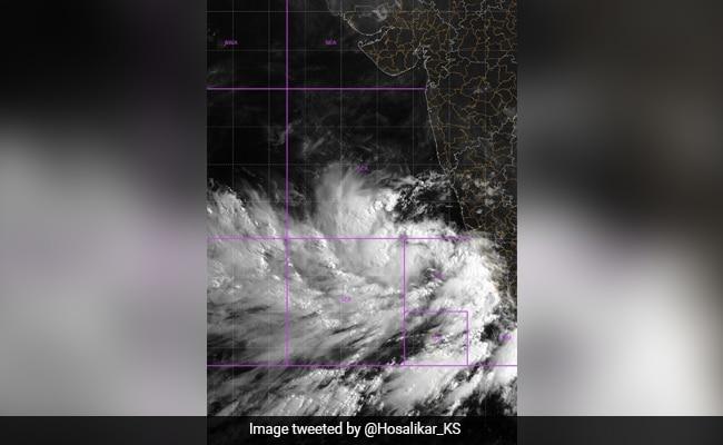 Cyclone Tauktae Likely To Intensify In Next 24 Hours, Rescue Teams Deployed In 6 States – चक्रवात तौकते के अगले 24 घंटे में और तेज होने की संभावना, 6 राज्यों में बचाव दल तैनात