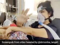 नहीं मिला ICU बेड, मुंह पर लगा ऑक्सीजन मास्क, 10 दिन से इमरजेंसी वॉर्ड में कोरोना से ऐसे लड़ रही है लड़की - देखें Video