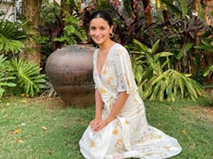 Alia Bhatt's Day Out In The Sun Got A Whole Lot Stylish In A Printed Floral Dress