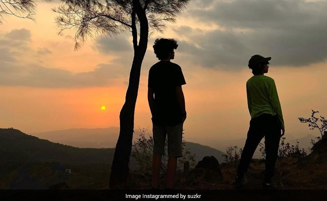 This Pic Of Hrehaan And Hridhaan Was Taken By 'Their Absolute Favourite Person'. It's Not Hrithik Roshan Or Sussanne Khan