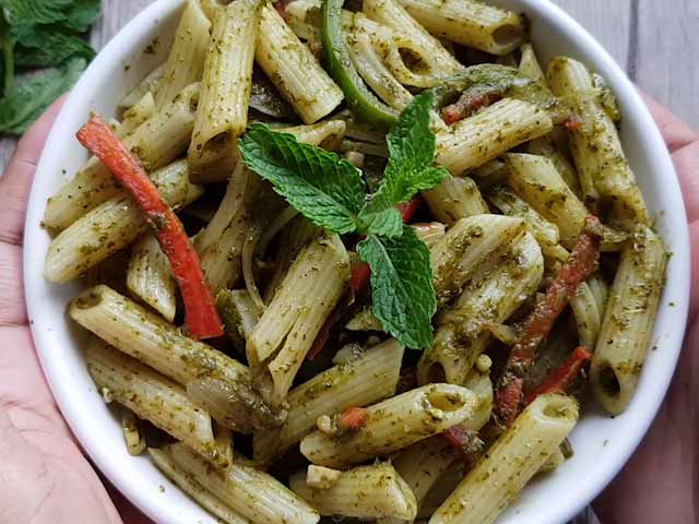 Video : How To Make Pasta With Mint Sauce | Easy Pasta With Mint Sauce Recipe Video