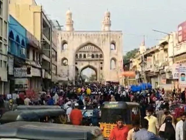 Video : Amid Lockdown, Hundreds Throng Hyderabad's Charminar For Eid Shopping