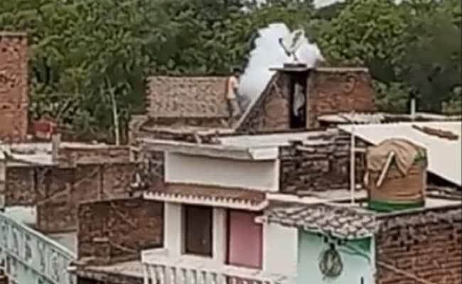 UP : Violence after Panchayat election in Barabanki district – हिंसक रूप लेने लगा यूपी पंचायत चुनाव, बाराबंकी में हथगोले से हमला, 8 घायल