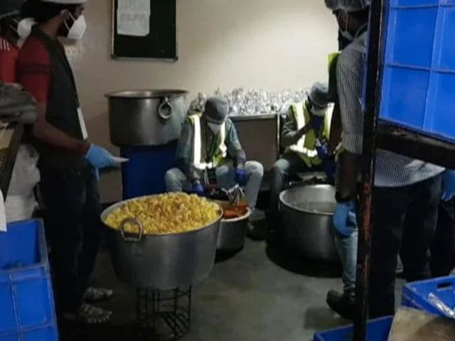 Video : Bengaluru Group Delivers Free, Fresh Meals To Families In Covid Isolation