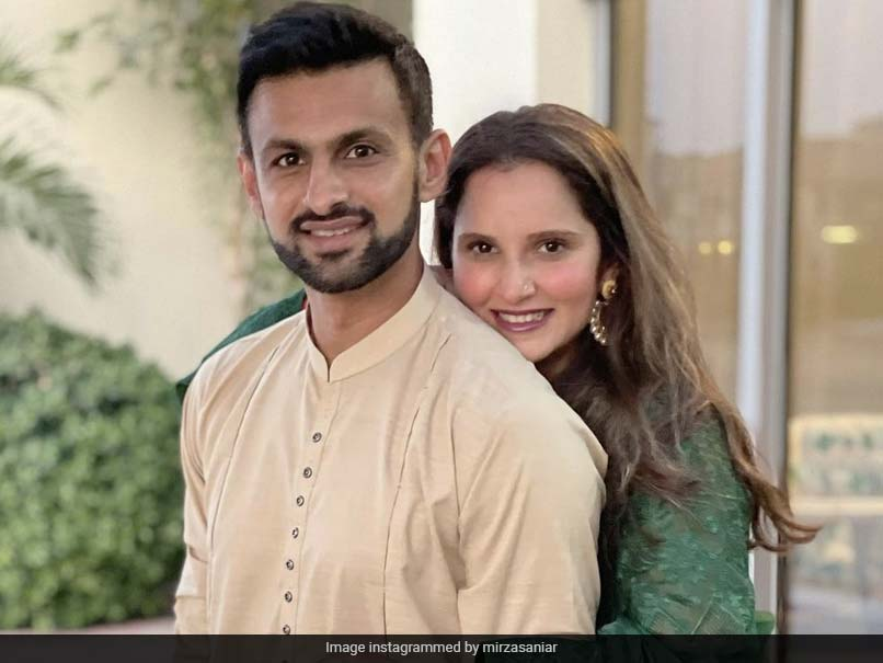 """Sania Mirza Wishes Fans On Eid, Shares """"Typical Post Pics"""" With Husband Shoaib Malik"""