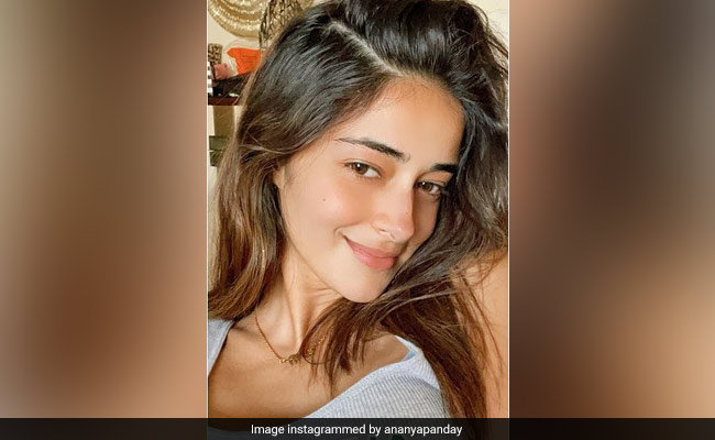 Navya Naveli's Comment On Ananya Panday's Instagram Is What Friends Are For
