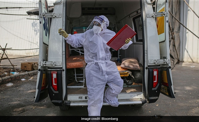 Coronavirus India Updates: 2.57 Lakh New Covid Cases In India; Over 8,800 Affected By Black Fungus, Says Minister