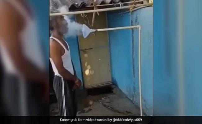 भाप लेने के लिए शख्स ने किया जबरदस्त देसी जुगाड़, लोग बोले- 'भारत में सब मुमकिन है' – देखें Video