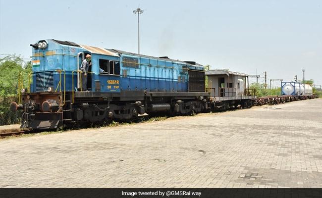 Oxygen Express Delivers 2114.21 Metric Tonne Oxygen To Kerala, Tamil Nadu