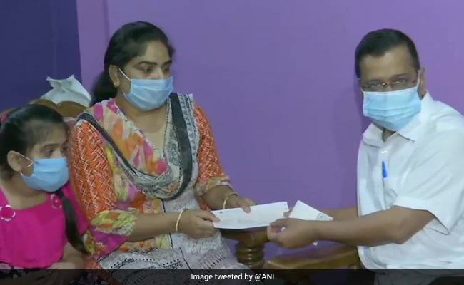 Arvind Kejriwal Gives Rs 1 Crore Aid To Family Of Teacher Who Died Of Covid
