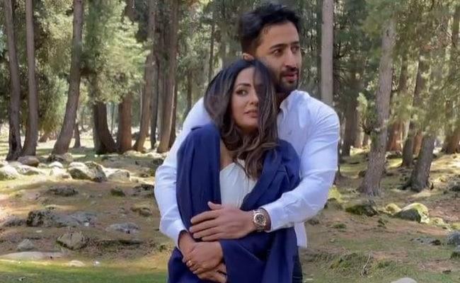 Hina Khan ने ठंड में शाहीर शेख को यूं किया था टॉर्चर, वायरल हुआ 'बारिश बन जाना' का Video