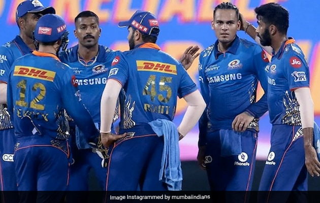 """""""Some Senior Indian Guys Dont Like Being Restricted"""": MI Fielding Coach"""