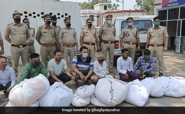 7 Men Went Around UP Crematoriums To Steal Clothes From Bodies, Arrested