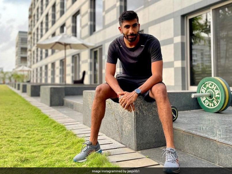 """""""Ye Bhi Thik Hai"""": Jasprit Bumrah Responds To Axar Patels Comment On His Post With Mirzapur 2 Dialogue"""