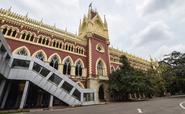 Photo of Calcutta High Court Orders Panel To Probe Human Rights Violation During Bengal Violence