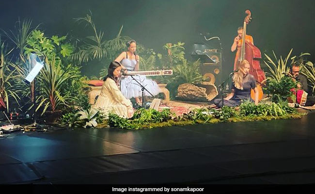 Anoushka Shankar's Concert Had This Effect On Sonam Kapoor