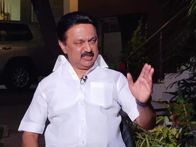 Video : Tamil Nadu Election Results 2021: DMK Crosses Halfway Mark, Leading In Over 120 Seats