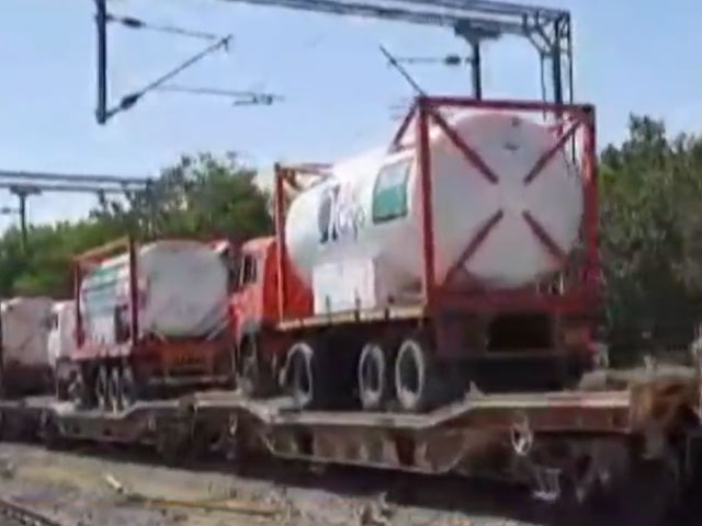Video : Oxygen Express With Highest Volumes Of Liquid Medical Oxygen Arrives In Delhi From Gujarat