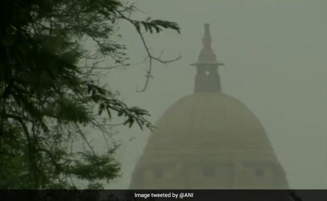 Rain, Dust Storm Hit Delhi, Provide Relief From Intense Heat