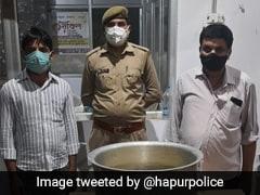 यूपी में पंचायत चुनाव जीत के बाद जश्न मना रहे थे दो लोग, पुलिस 20 किलो रसगुल्ले के साथ उठा लाई थाने
