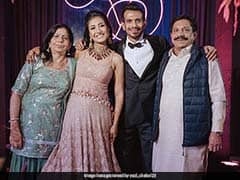 """""""Keep The Real Ones Close"""": Yuzvendra Chahal Posts Pic With Family"""