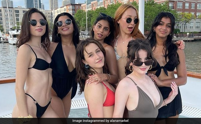 Suhana Khan celebrates birthday on yacht, Shah Rukh's daughter makes a big splash with friends - see viral pics