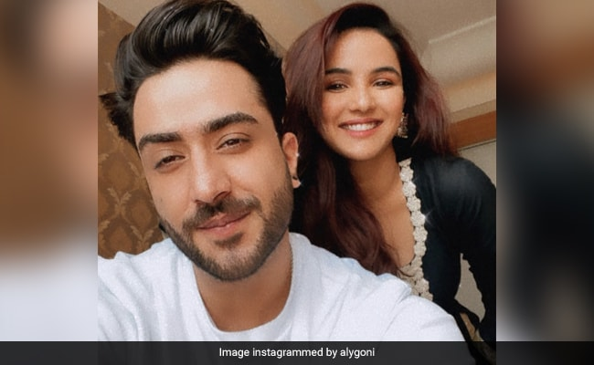 Nothing To See Here, Just Jasmin Bhasin And Aly Goni Being Adorable On Instagram