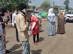 दो शिविरों में दो लोगों ने टीके लगवाए! मध्य प्रदेश के गांवों में लोगों ने वैक्सीनेशन से बनाई दूरी