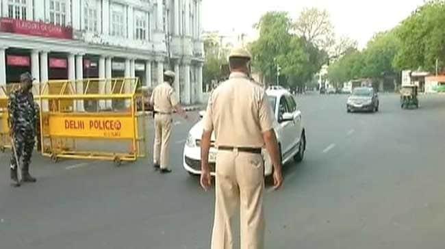 कोरोना: इन राज्यों में बढ़ा लॉकडाउन, आज से धीरे-धीरे अनलॉक होगी दिल्ली, UP में पाबंदियों में कुछ राहत; 10 बातें