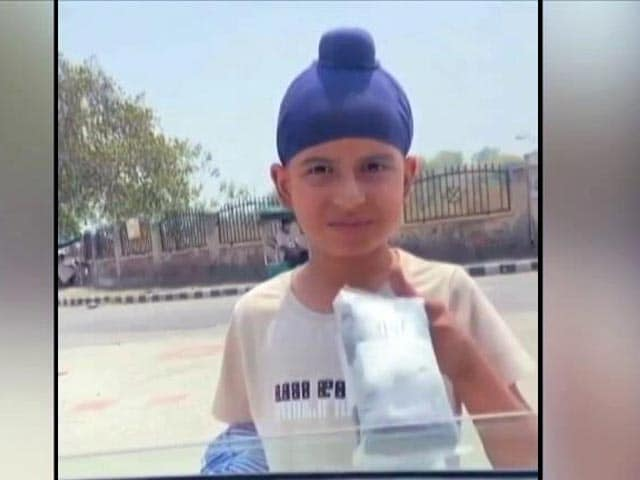 Video : School Dropout, Seen Selling Socks In Viral Video, Gets Punjab CM's Help