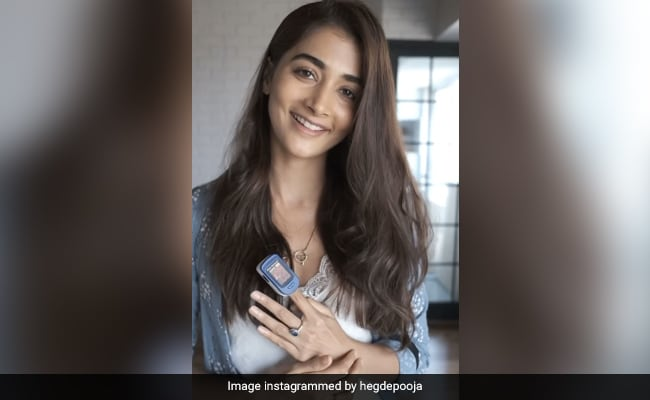 A Tutorial  From COVID-Recovered Pooja Hegde On The Right Way To Use An Oximeter